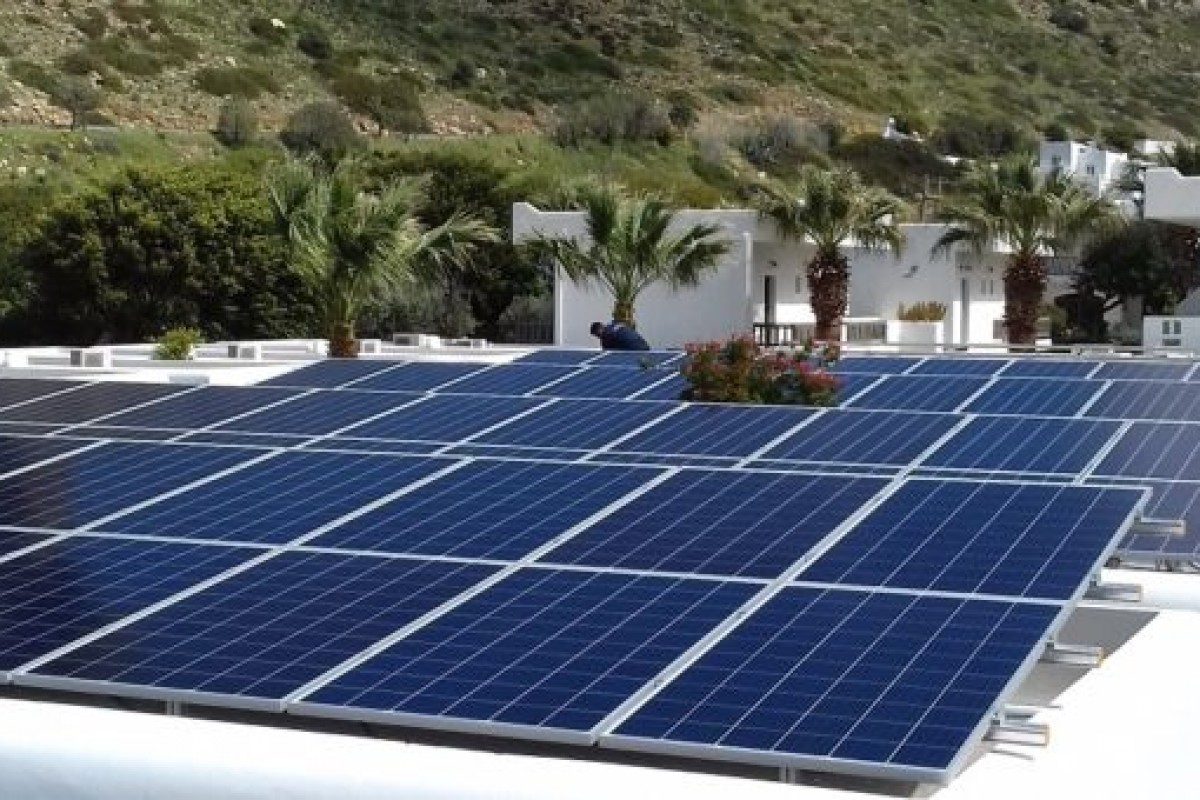 PHOTOVOLTAIC NET METERING SYSTEM ON A HOTEL ROOF (50KW)