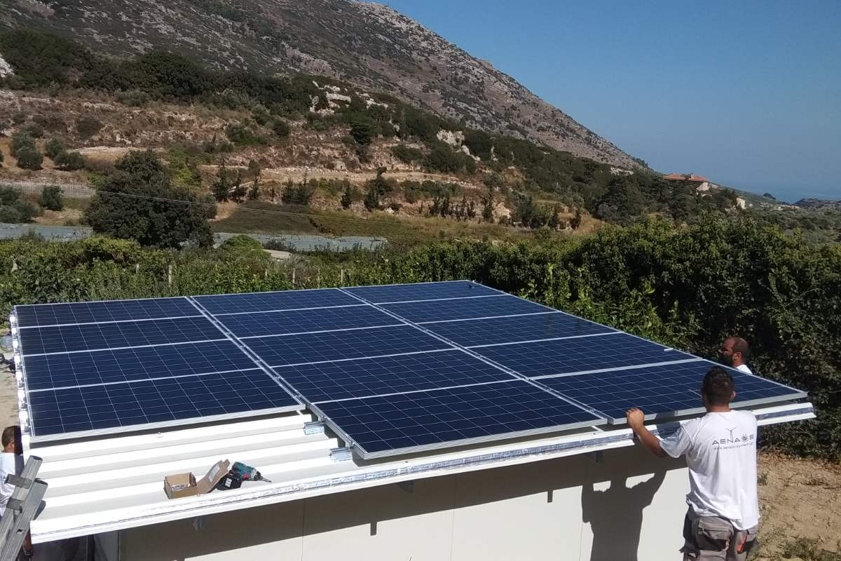 OFF-GRID PV SYSTEM IN ARCHANES [3.92KW]